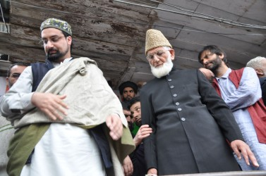 Zakir's Threatening Message: Govt. likely to review security of Hurriyat leaders