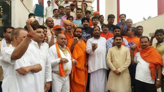 MP tribals and Jan Sena offer to take on Kashmir stone pelters