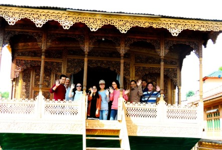 Moderate weather of Kashmir attracting foreign tourists
