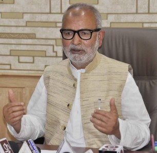 Govt to build consensus on GST implementation: Naeem Akhtar