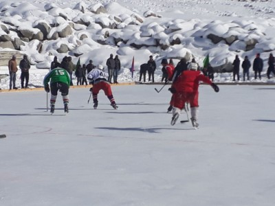 Kargil police organizes Ice Hockey Tournament