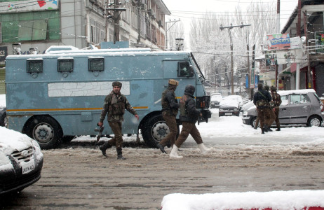 Militants storm again in Srinagar, LeT claims responsibility